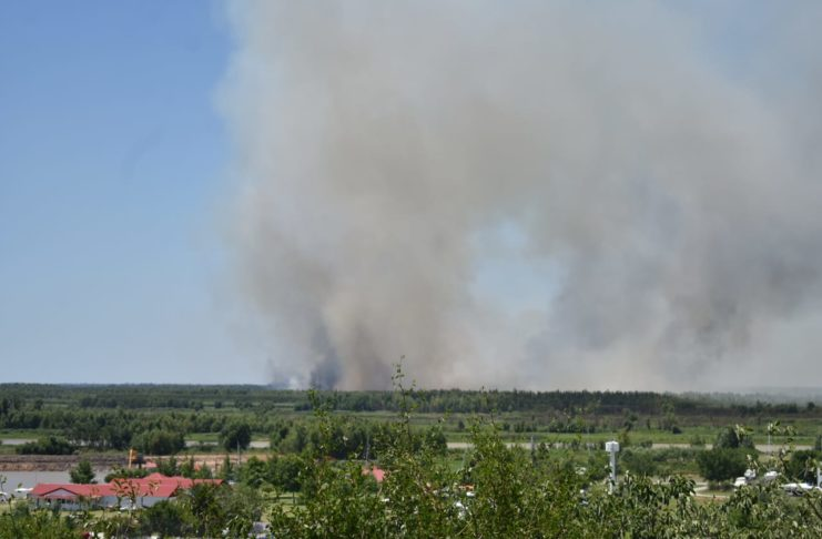 El humo de la quema en la zona de islas.