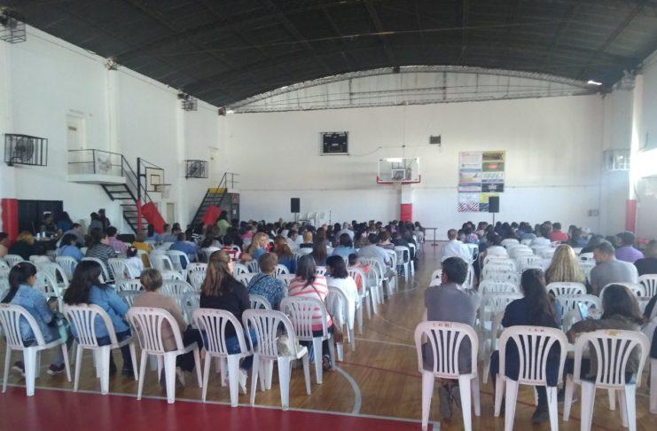 Gimnasio del Club Mitre charla