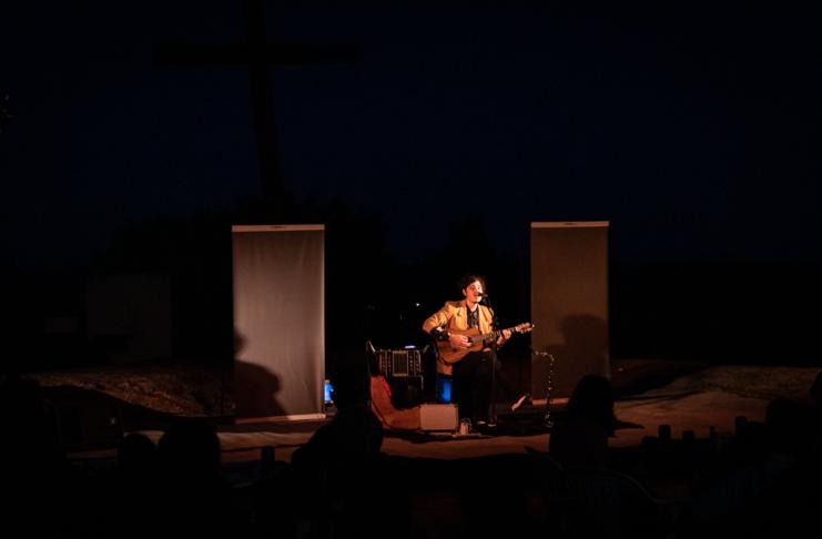 Además de las puestas teatrales, el Vía Crucis es escenario de espectáculos musicales cada fin de semana.