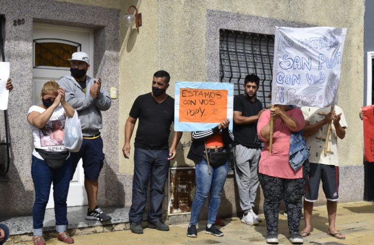 El padre de Popy Sandoval fue uno de los que encabezó la marcha del viernes pasado.