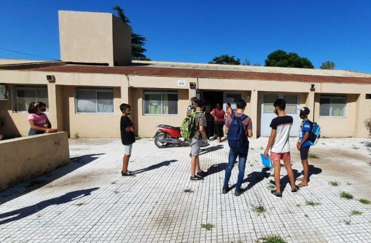 Un grupo de estudiantes a punto de ingresar a la secundaria 11.