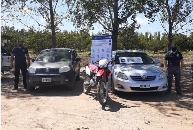 En Río Tala secuestraron autos, motos, cocaína y dinero.