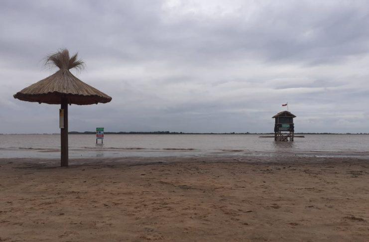 Así estaba el domingo la playa de Vuelta de Obligado.