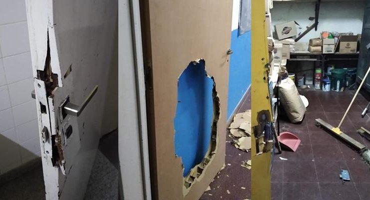 Una de las tantas imágenes de destrozos provocados en la secundaria 11 Eduardo Depietri.
