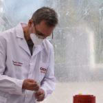 El jefe de Laboratorio, Adrián Spotti.
