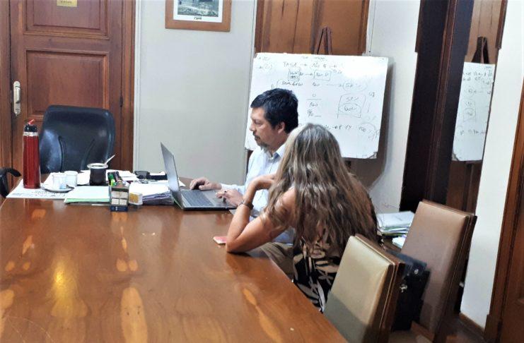 El secretario de Economía, Fabián Rodríguez, y la responsable de Personal, Paola Basso