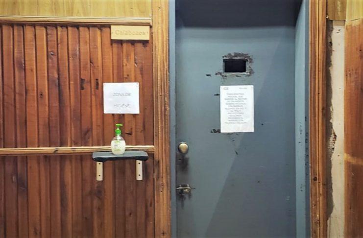 Los calabozos de la Comisaría sólo pueden tener cuatro detenidos.