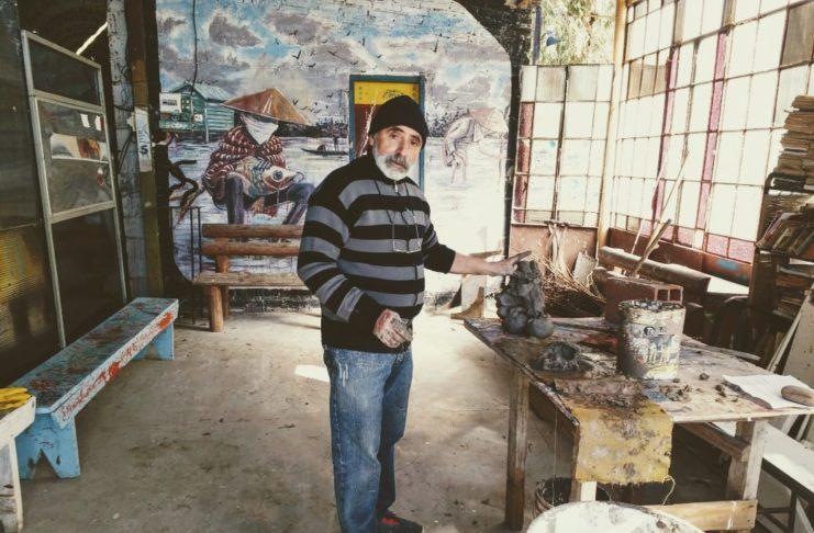 Juan José D'Estefano en su taller en el Viejo Astillero.