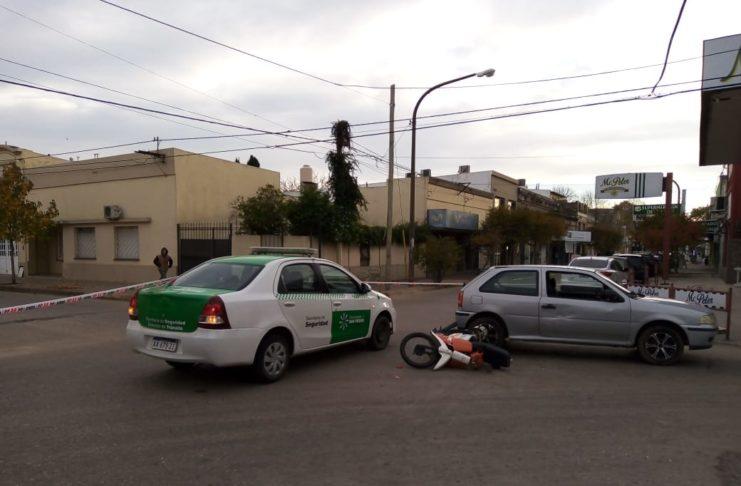 Personal de Tránsito mantuvo interrumpida la circulación en la zona.