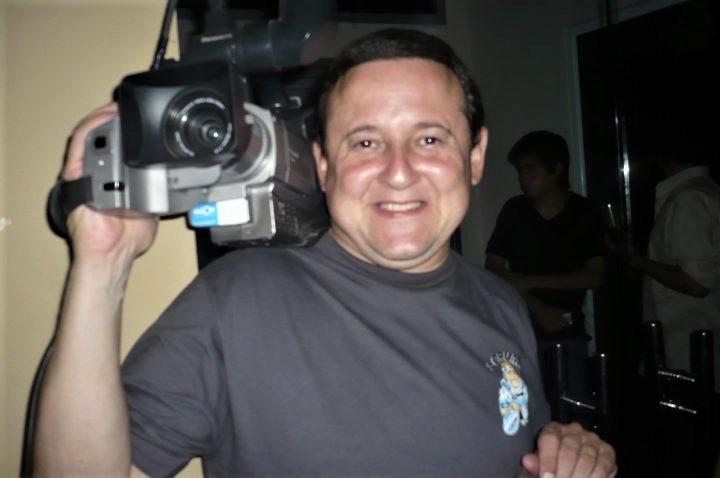 Mariano Reyloba, cámara en mano.