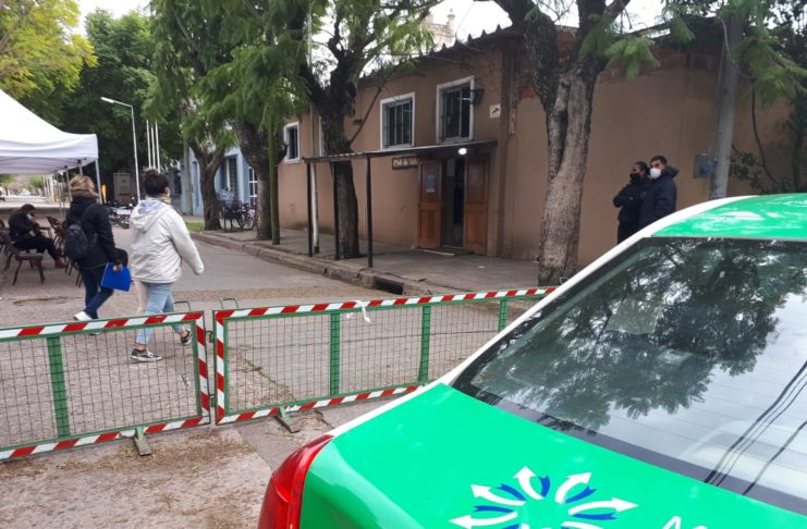 Además de la aplicación en el Vacunatorio, irán a los barrios y localidades.