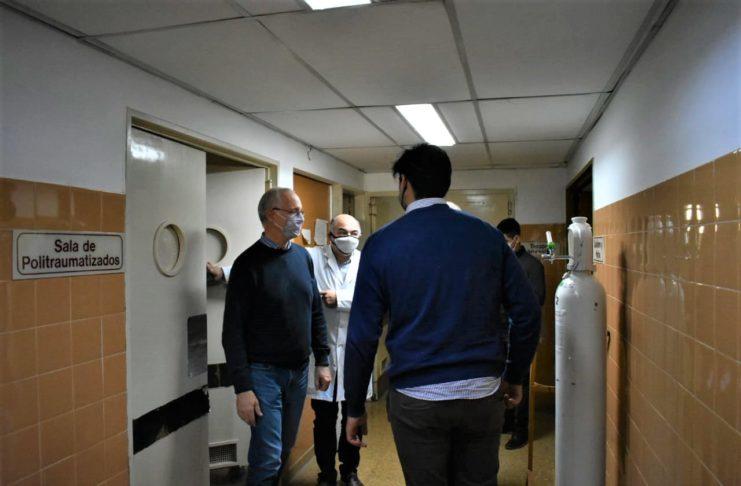 El ministro Gollan recorrió el Hospital de San Pedro.