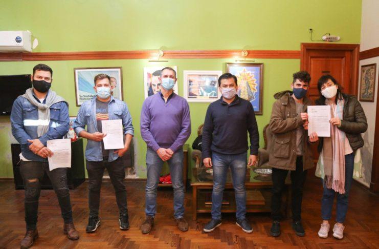 Tres familias participaron del acto virtual, por cuestiones de protocolo.