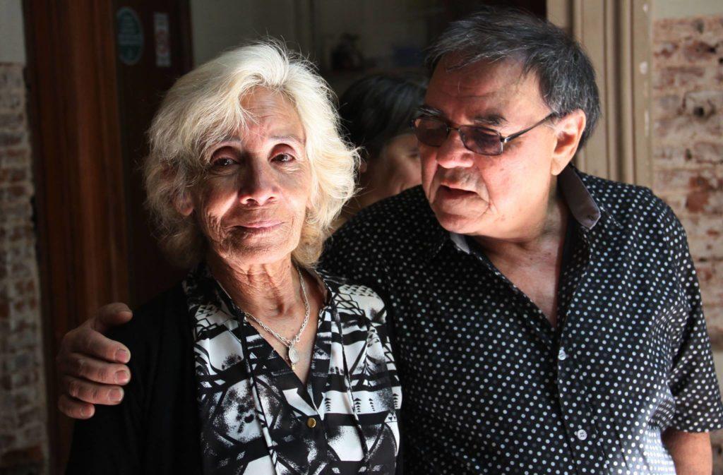 """Roberto Galarza y su esposa, Elena Farías, retratados por Coqui López en 2014. Foto: Jorge """"Coqui"""" López."""