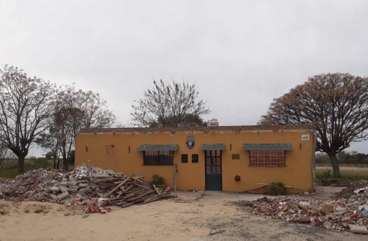 La escuela del paraje Basso, sin techo desde noviembre del año pasado.