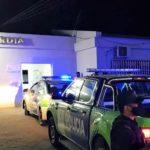 El agresor fue internado en observación en el Hospital y está bajo custodia policial.