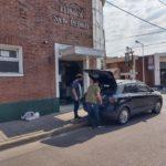 Suárz Irala en la puerta de la clínica San Pedro.