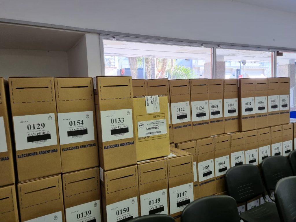 Las urnas están en el Correo, con custodia policial permanente.