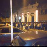 Colas para ingresar a uno de los boliches bailables. Foto: Facebook
