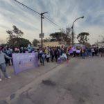 Con pancartas, concentraron frente a la Comisaría.