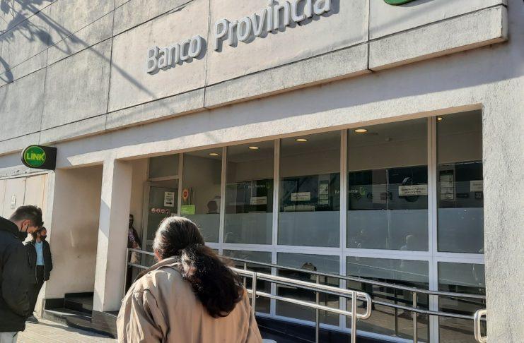 Los municipales esperaban cobrar este martes pero el depósito no se hizo efectivo aún.