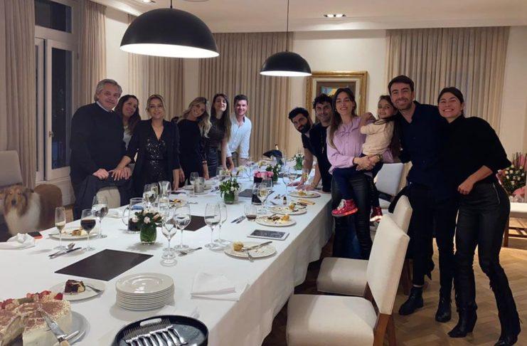 La foto de los festejos del cumpleaños de la primera dama en la Residencia presidencial de Olivos.
