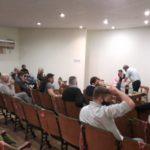 La reunión tuvo lugar en el Centro de Comercio, este lunes.