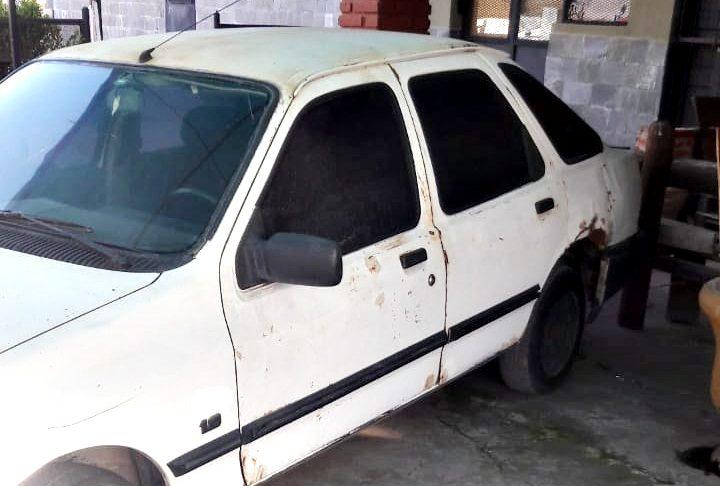 El Ford Sierra fue secuestrado el sábado 18 de septiembre en un operativo realizado en 11 de Septiembre y Saavedra.