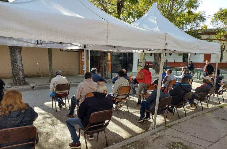 En San Pedro el vacunatorio funciona en el Club de Jubilados de Salta y 9 de Julio.