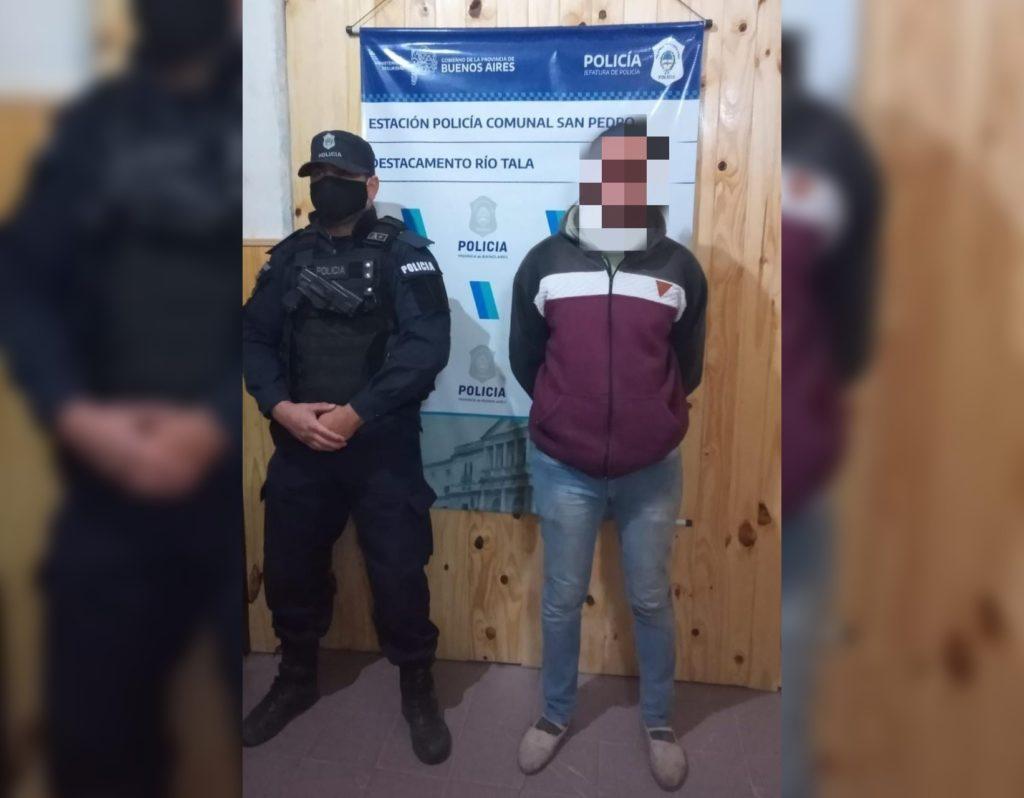 El agresor fue detenido por la policía.