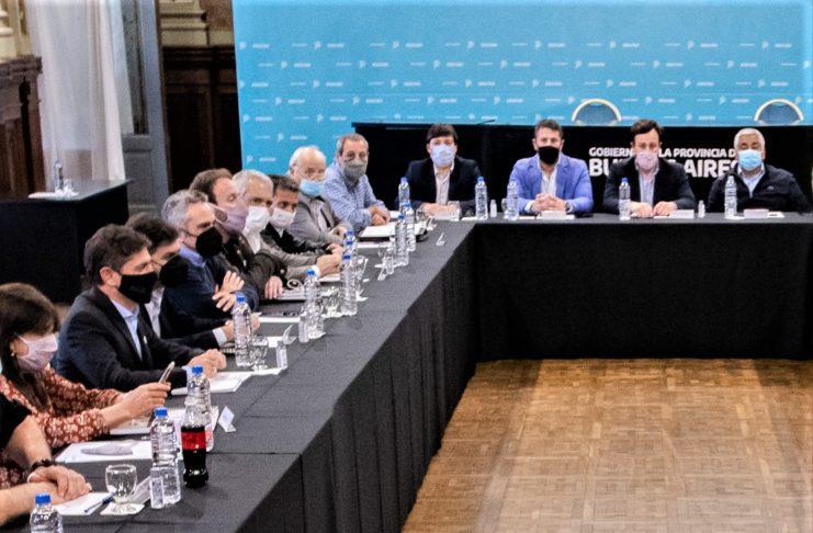 Salazar participó de la reunión de intendentes oficialistas del interior con Kicillof.