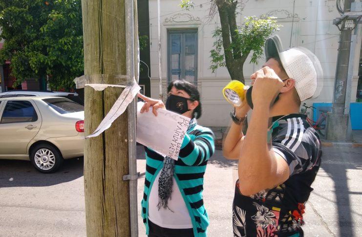 La madre del remisero, Laura Navarro, encabezó la manifestación.