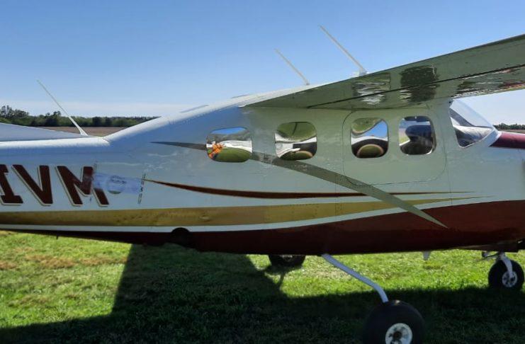 El avión llegó hace alrededor de 15 días al aeroclub y se desconoce quién lo pilotaba.