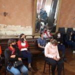 Empleadas de la clínica y Polimante presenciaron la sesión.